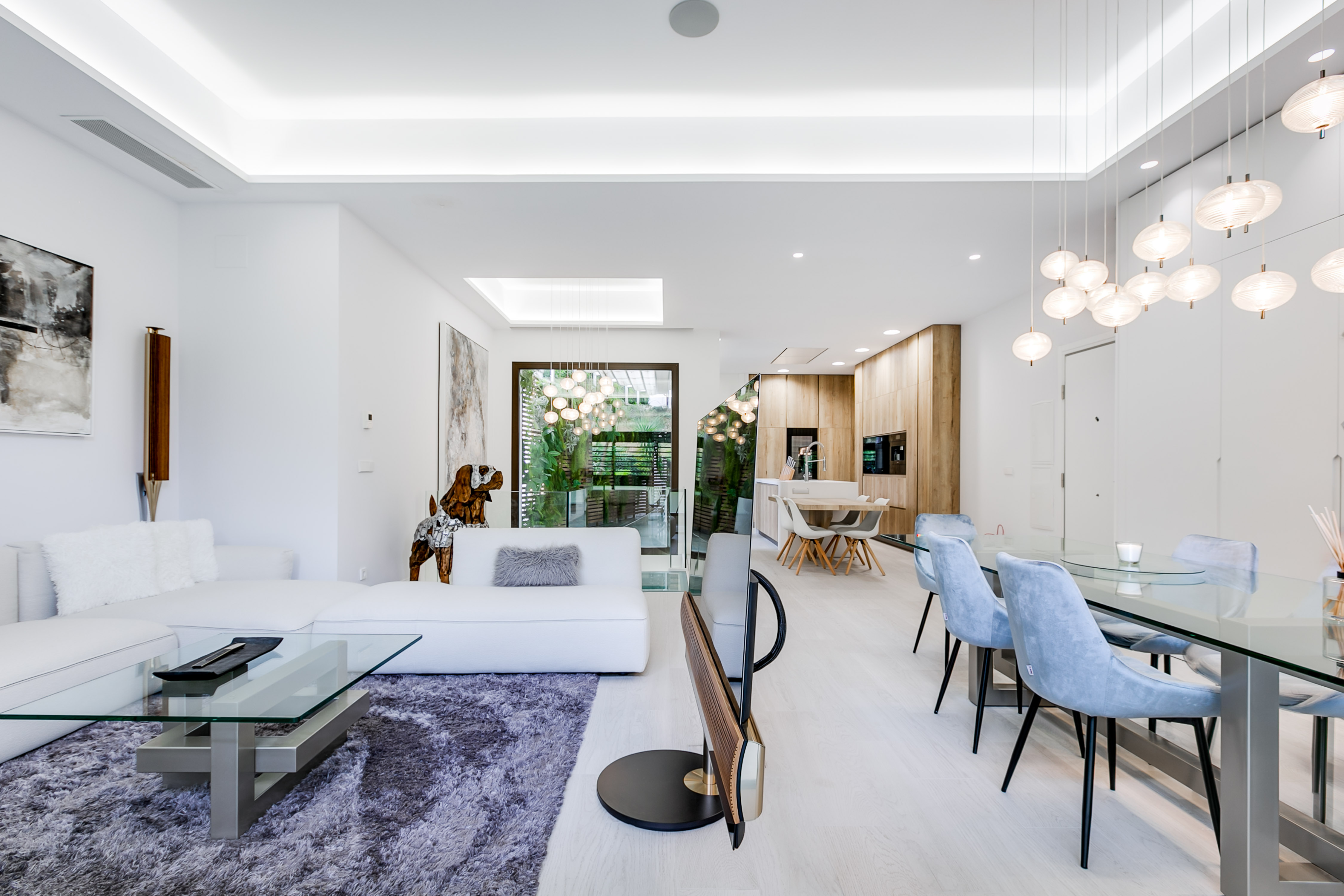 Luxury housing does not lose its luster for foreigners